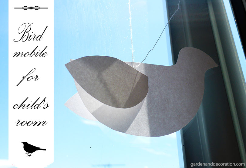Easy DIY: paper bird mobile