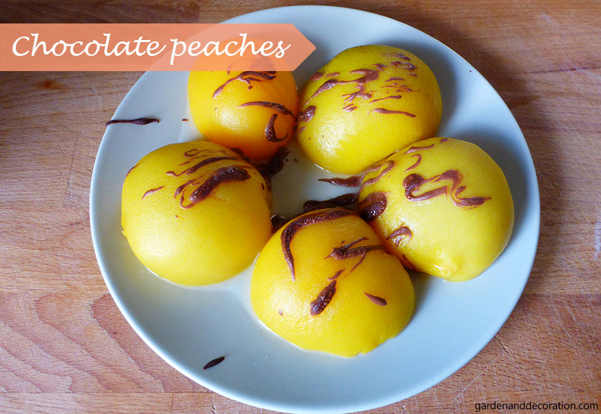 60s party food ideas: chocolate peaches
