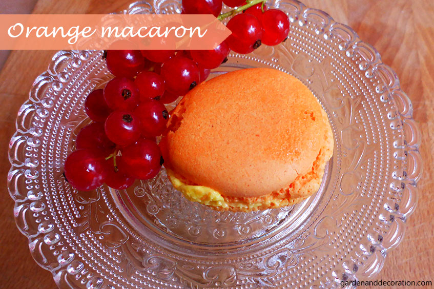 60s party food ideas: orange macaron
