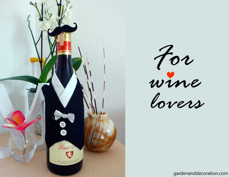 Gift wrapping idea for wine lovers