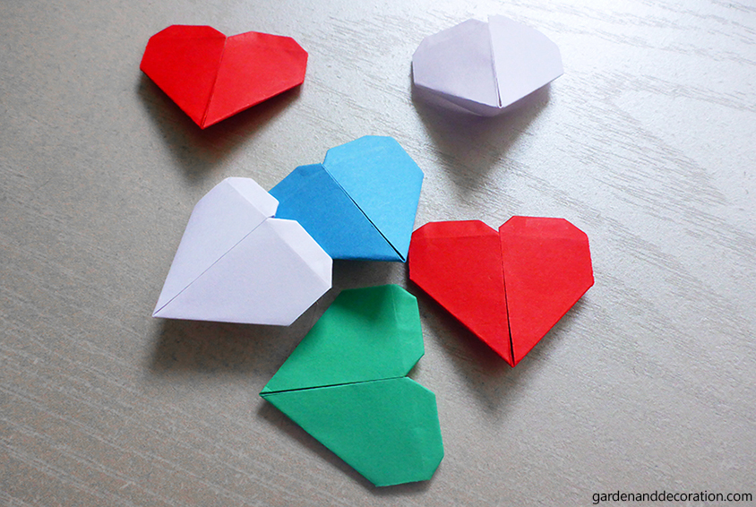 Finished paper hearts on a table
