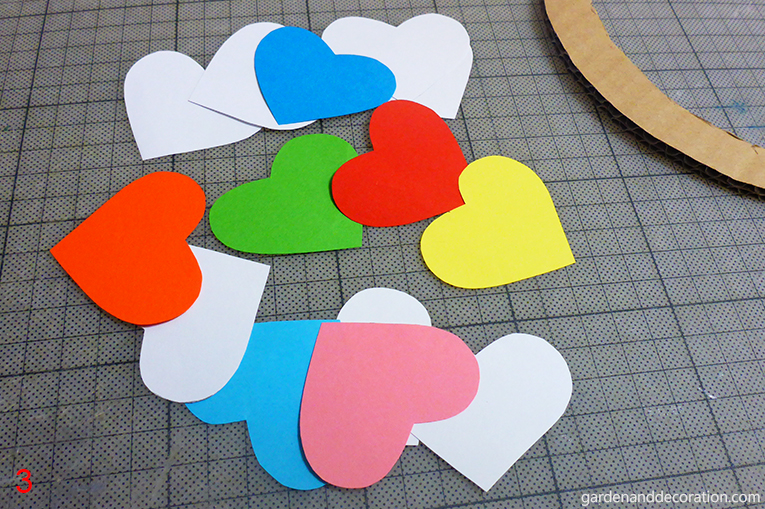How to do paper heart wreath_step 3