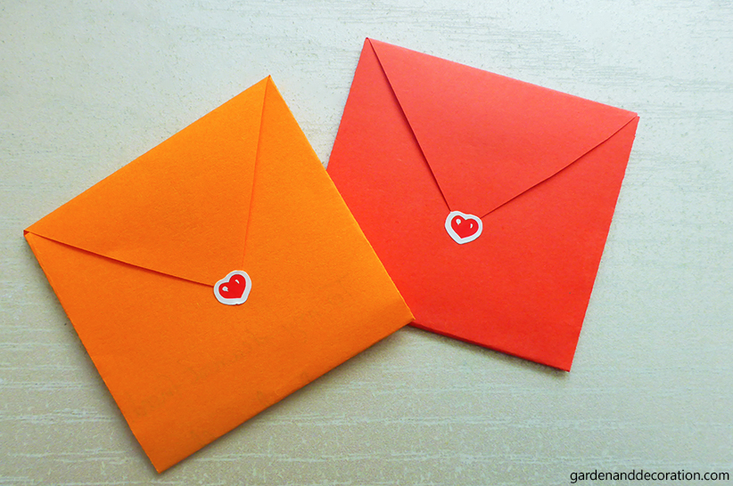 DIY: Folded envelopes