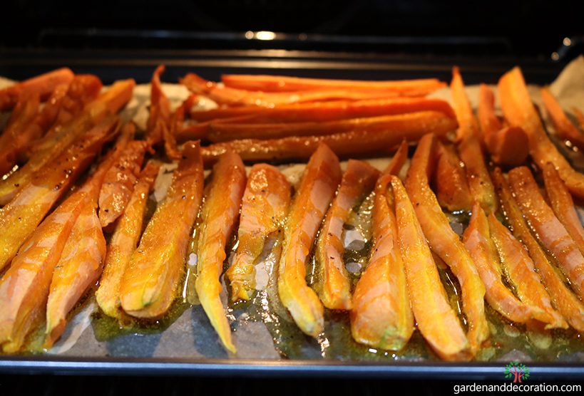 Recipe_Roasted carrots in the oven_by gardenanddecoration.com