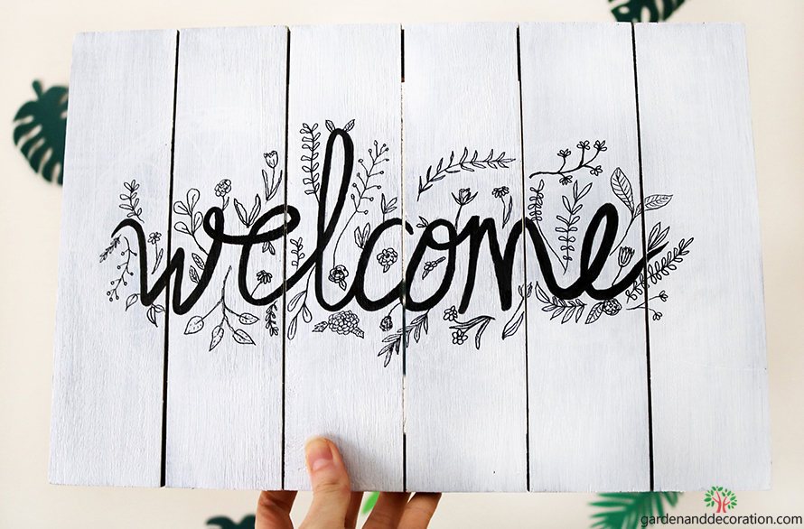 Wooden diy welcome sign_by gardenanddecoration.com
